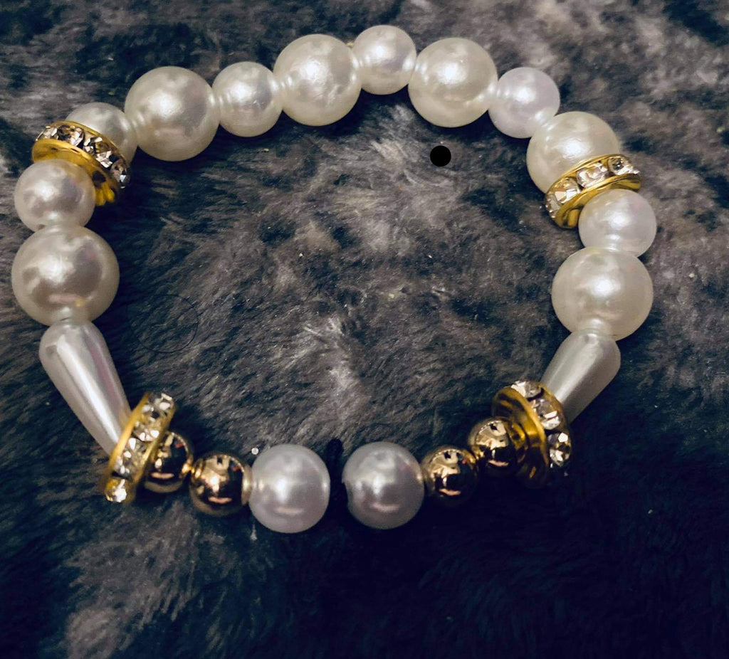"""Abundance"" White and Gold Beaded Bracelet"