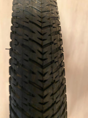 Maxxis DTH 20 X 1.5 wire bead tire