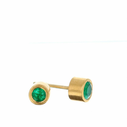 Earring, hand made studs, round emerald 3.8 mm 0.18 ct set in 22K gold