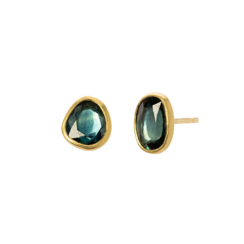 BLUE GRAY SPINEL EARRINGS