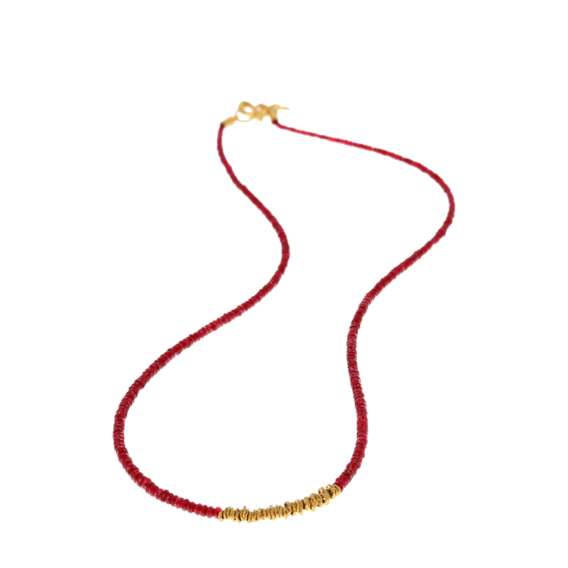STRAND OF RUBY BEADS NECKLACE
