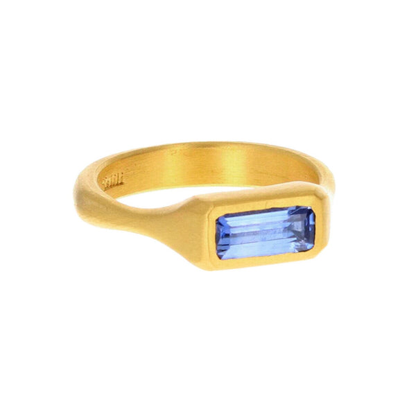 BAGUETTE SAPPHIRE RING