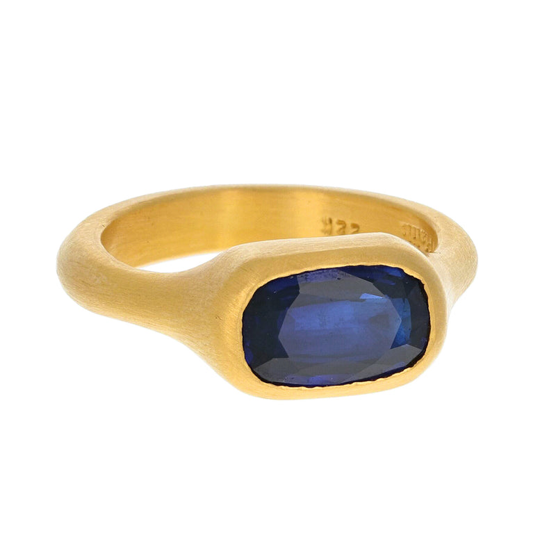 CUSHION CUT BLUE SAPPHIRE RING
