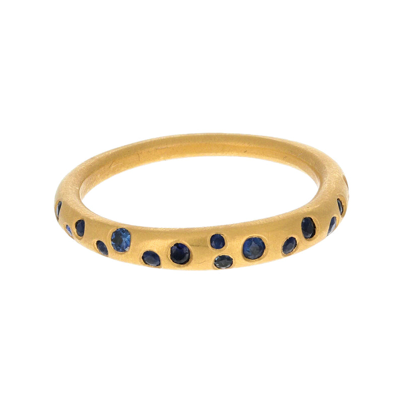 SCATTERED SAPPHIRE RING