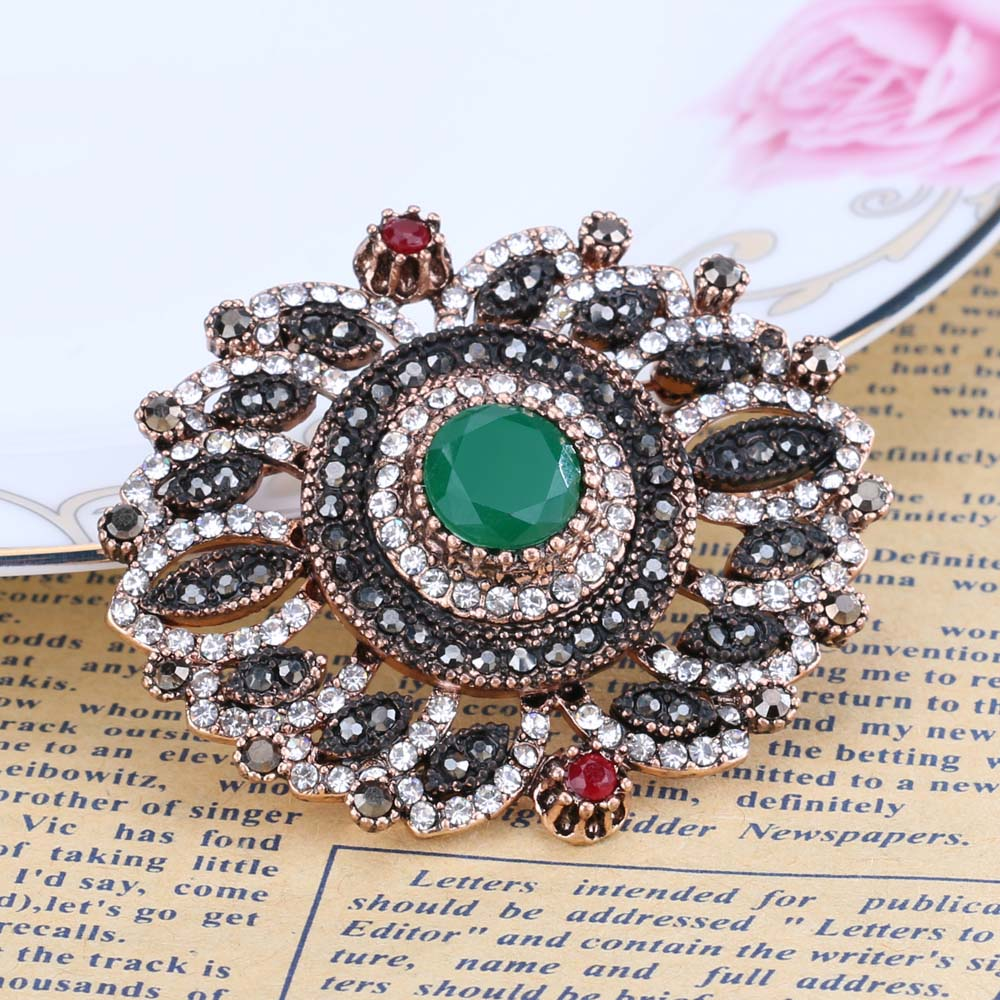 bc71991289 Vintage Bohemian Style Brooch in Antique Gold Color