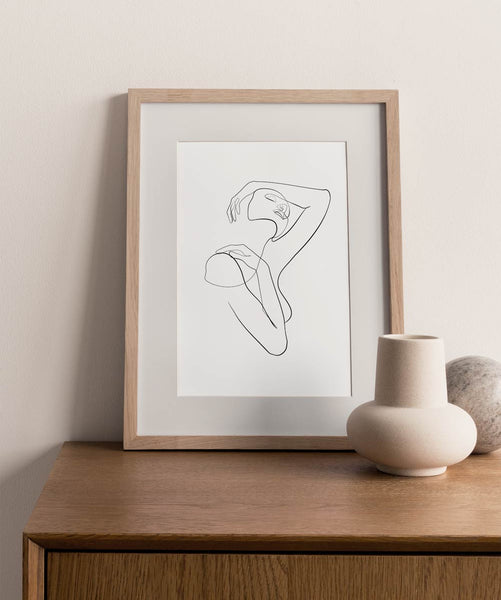 Minimalist chic woman outline drawing wall art