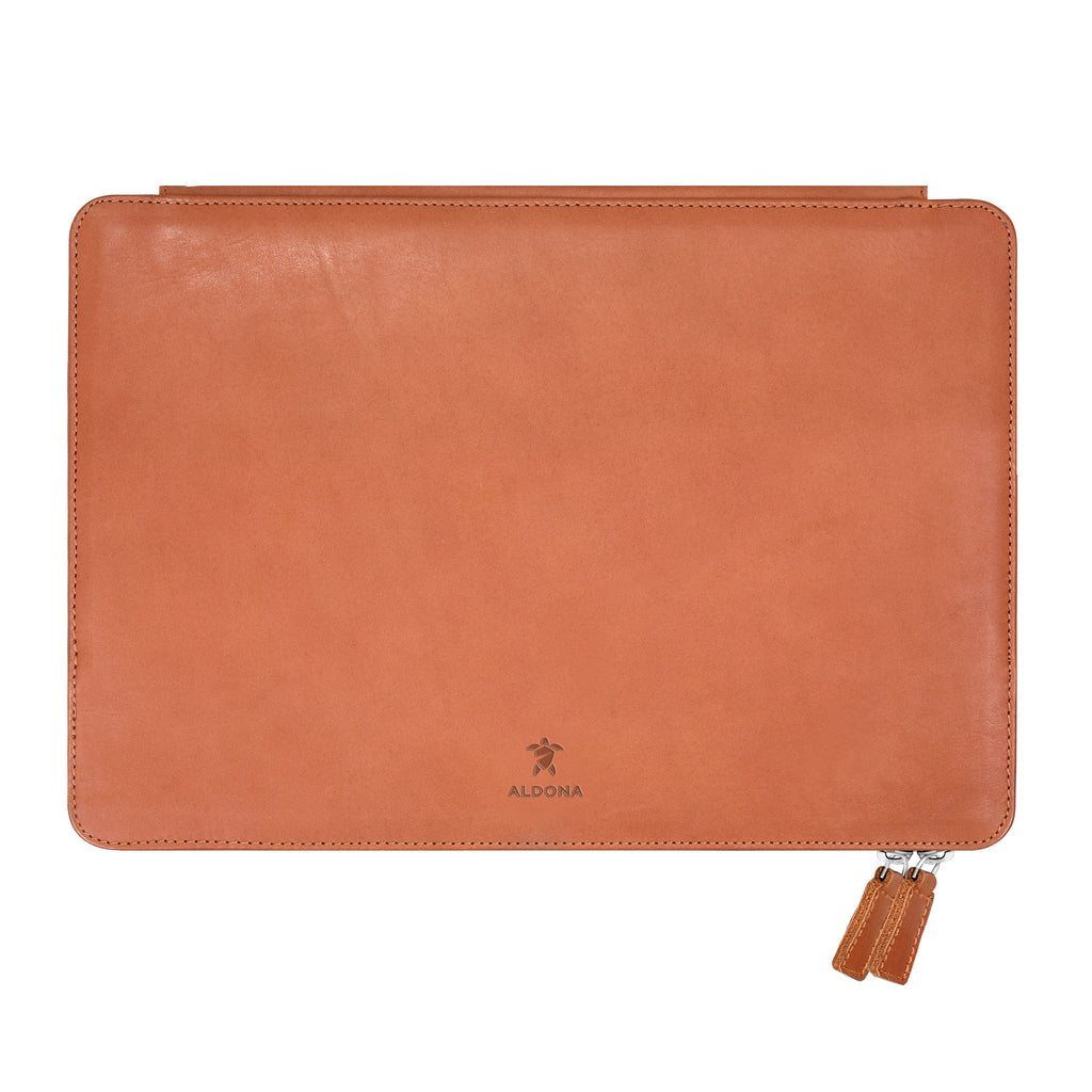 Megaleio Leather Sleeve for 15 Inch MacBook Pro - Wild Oak Colour