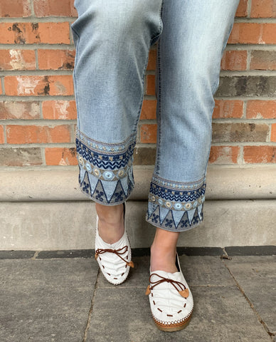 CHARLIE B C5251-091B EMBROIDERED JEANS