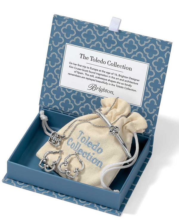 brighton \\ jewelry \\ gift boxessilver brighton cherished memories toledo collection jd5370 comes in a blue box and has 3