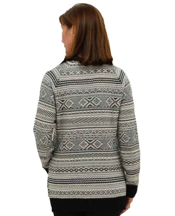 19F4851 Black and White Fair Isle High Low Crew Sweater