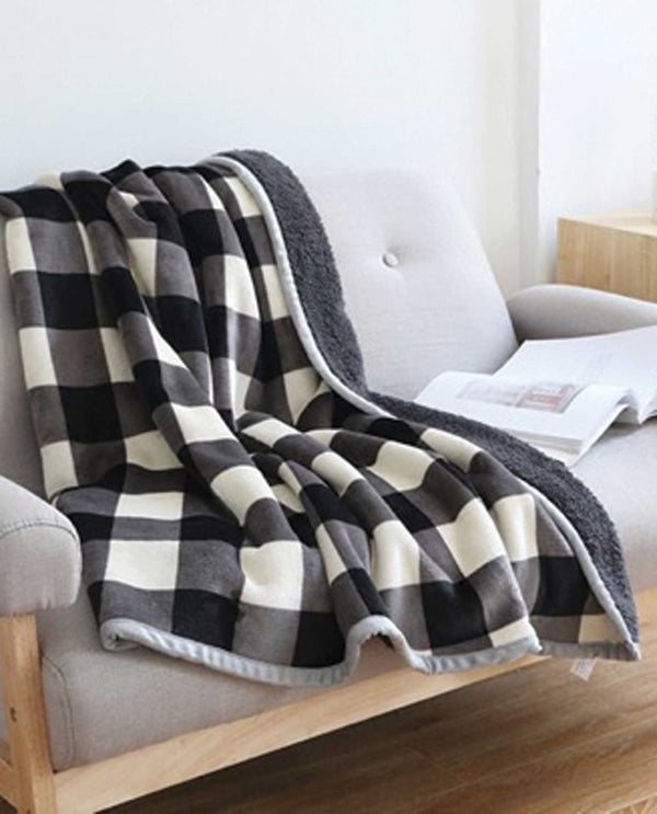 Whip Stitch Sherpa Throw Black