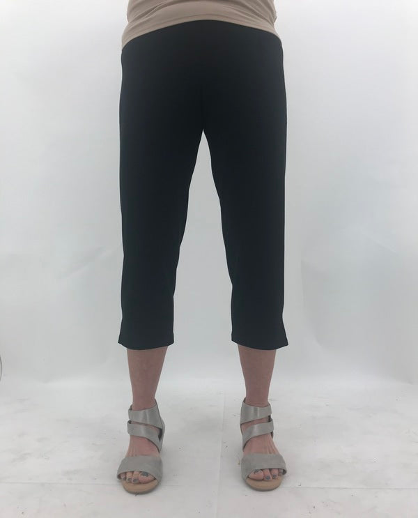 Comfy M282 Pull On Solid Slim Crop in Black