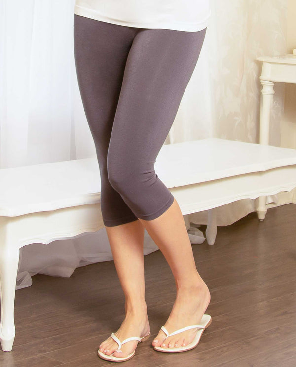 Pure Essence 101-2471 Seamless Bamboo Capri Leggings charcoal