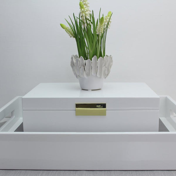 LARGE WHITE LACQUER BOX WITH GOLD