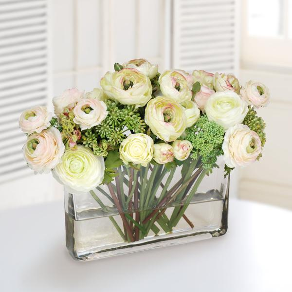 RANUNCULUS AND ROSE MIX