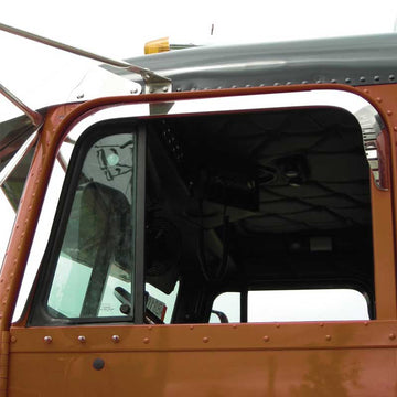 Freightliner Classic/FLD Door Window Shade