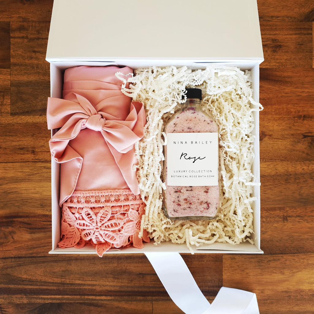 Dusty Pink Bridesmaid Gift Box - That Box Co