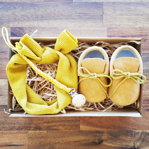 Cute as a Button Gift Box - Mustard