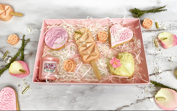 Mother's Day Biscuits & Cakesicles Gift Box