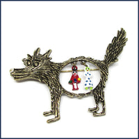 wolf brooch/project bag pin with two little hanging figures
