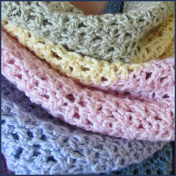 crochet cowl on a girl's neck
