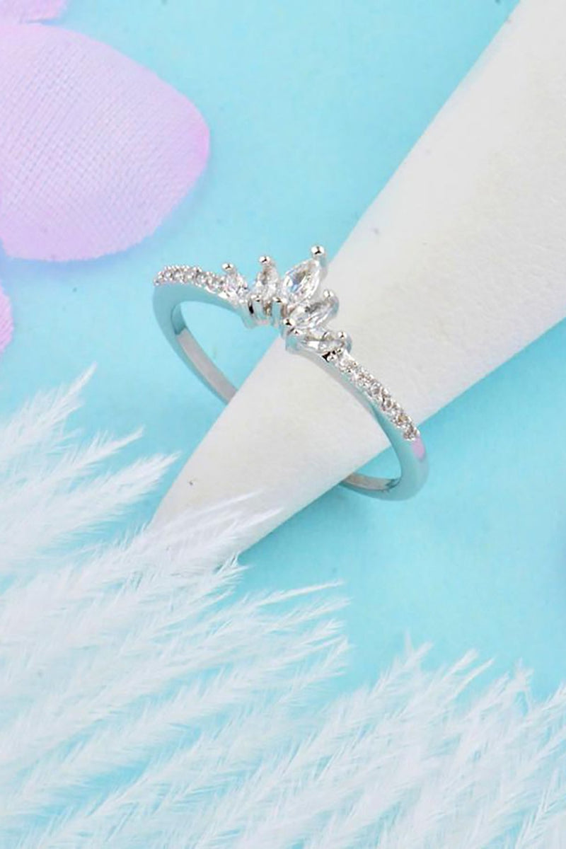 Krone Cute Minimalist Simple Crystal Princess Crown Ring Fashion Jewelry for Women for Teen Girls Engagement Wedding Promise Christmas Present Gift - www.Jewolite.com #rings