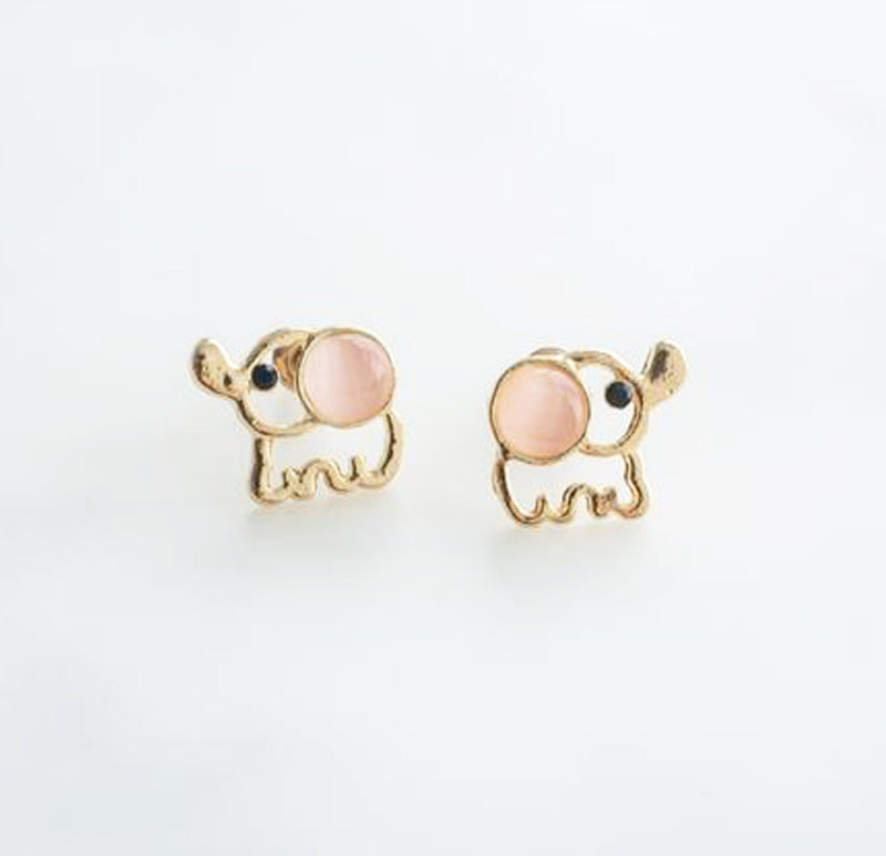 Cute Elephant Opal Stud Earrings in Gold Handmade Minimalist - lindo elefante pendientes en oro - www.Jewolite.com #earrings