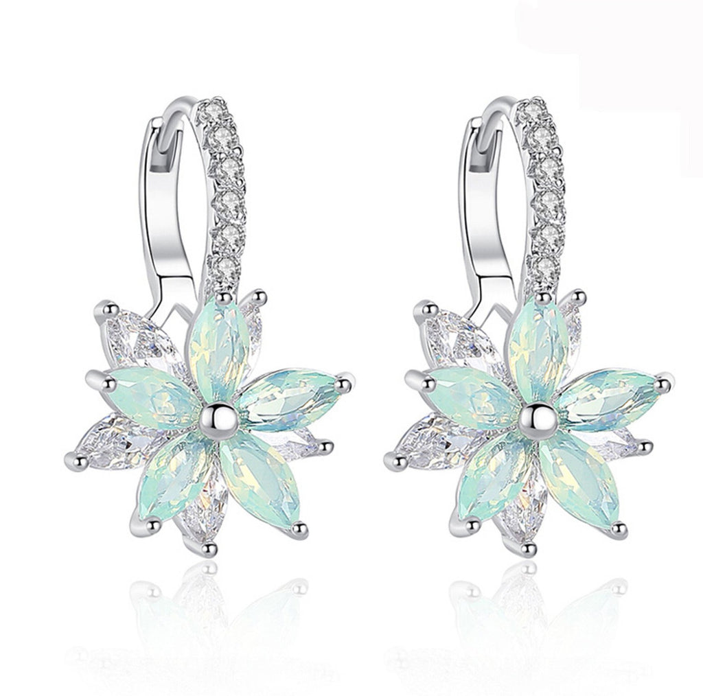 Cute Ear Piercing Ideas for Teens Green Crystal Flower Dangle Drop Ear Lobe Earrings in Silver for Women Pendientes colgantes de flores de cristal para mujer (www.Jewolite.com) #earrings