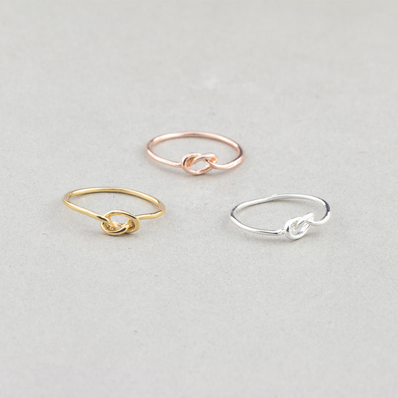Cute Minimalist Knot Ring Simple Dainty Infinity Infiniti Wired Metal Promise Rings for Teens Fashion Jewelry for Women in Gold, Rose Gold, Silver anillo infinito minimalista (www.Jewolite.com)