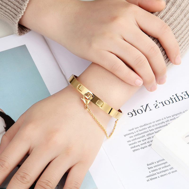 Modern Unique Chain Clasp Bangle Bracelet Fashion Jewelry for Women in Gold / Rose Gold / Silver (www.Jewolite.com) #bracelets