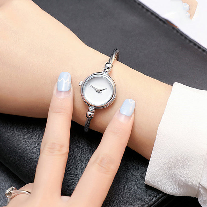 e7983fefe Minimalist Simple Women's Small Watches in Silver and Gold - simples  pequeños relojes lindos de las