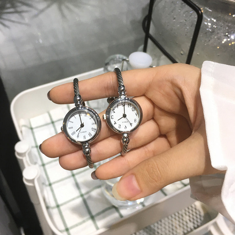 Minimalist Simple Women's Small Watches in Silver and Gold - simples pequeños relojes lindos de las mujeres pequeñas - (www.Jewolite.com)