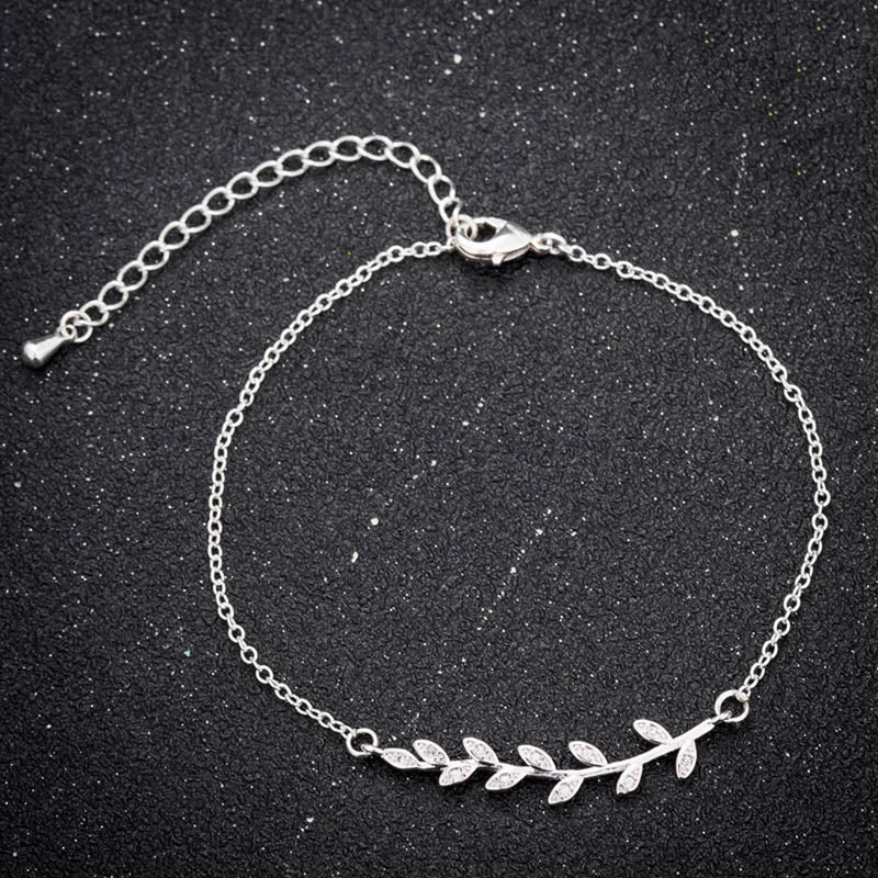 Simple Boho Chain Bracelet Dainty Minimalist Fashion Jewelry for Women for Teens in Gold or Silver (www.Jewolite.com) #bracelet