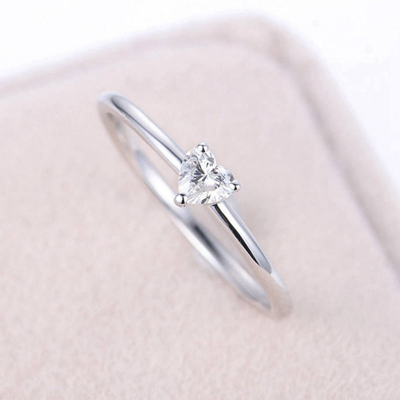 cute simple tiny small crystal heart solitaire ring fashion jewelry - anillo simple lindo corazón de cristal - www.Jewolite.com Edit alt text