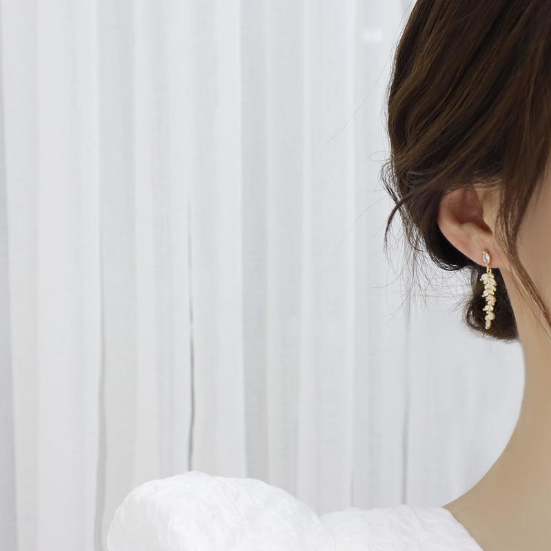Cute Crystal Leaf Dangle Gold Drop Earrings Classy Fashion Jewelry for Women - www.Jewolite.com  \