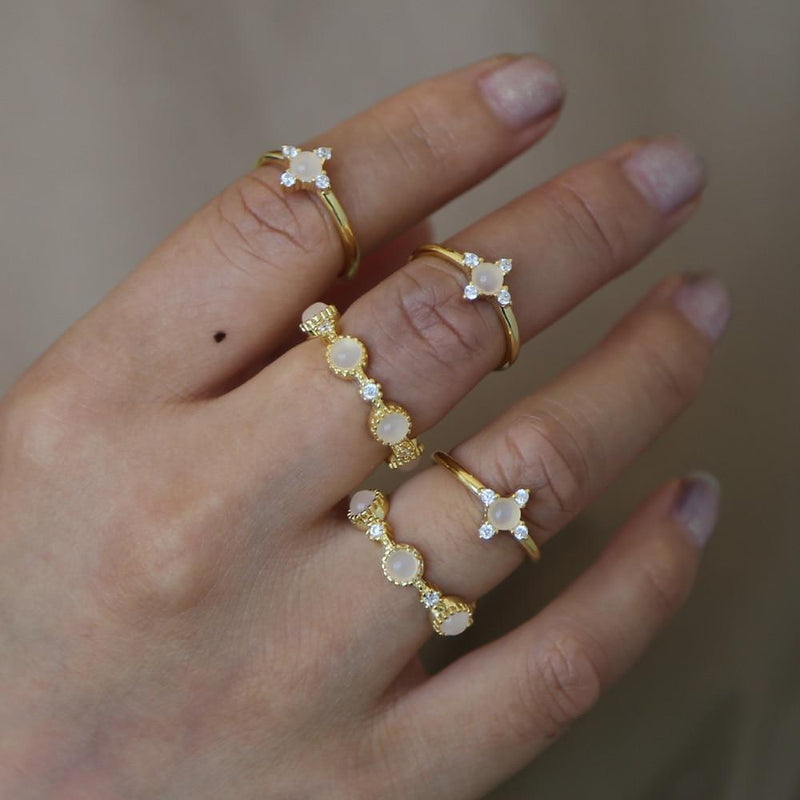 Cute Boho Unique Stacking Midi Opal Band Ring Set -  lindo conjunto de anillos - www.Jewolite.com #rings