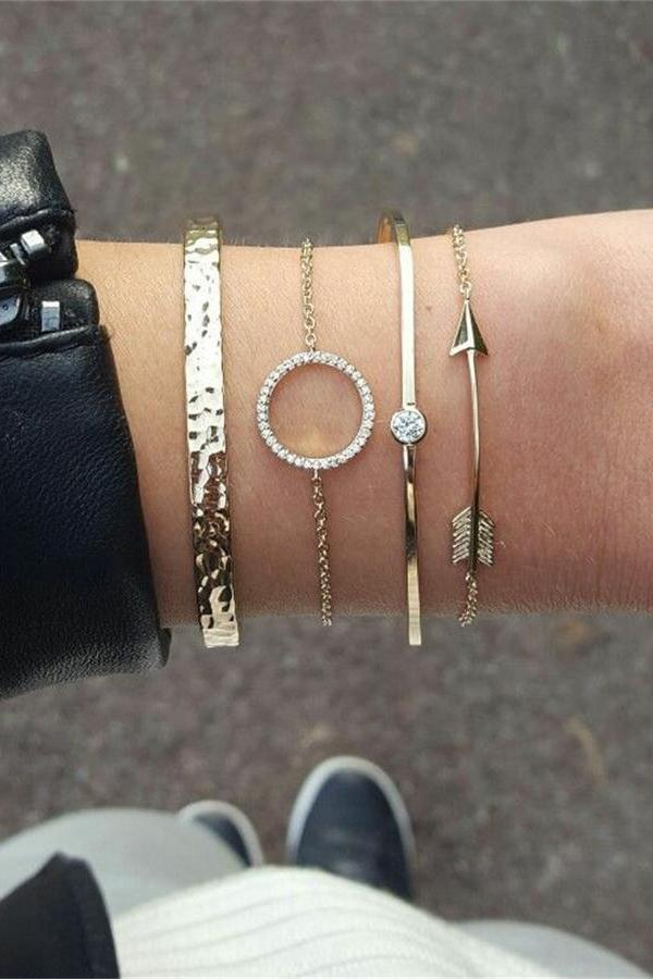 Cute Friendship Bracelet Set Simple Arrow Knot Circle Fashion Jewelry for Women for Teen Girls in Silver or Gold -  lindo conjunto de pulsera - www.Jewolite.com #bracelet