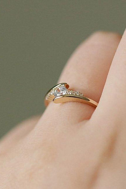 Cute Trending Simple Minimalist Fashion Ring Promise Engagement Wedding Rings - www.Jewolite.com #rings