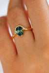 Cute Green Emerald Crystal Halo Halo Gold Ring Fashion Jewelry for Women - anillo de esmeralda - www.Jewolite.com #rings Edit alt text