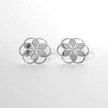 Load image into Gallery viewer, Hannah Daye and Co Rosette Silver Post Earrings