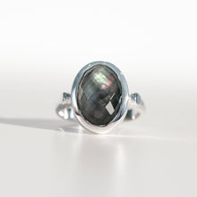 Load image into Gallery viewer, Sabine Ring Black Mother of Pearl in sterling silver Hannah Daye & Co