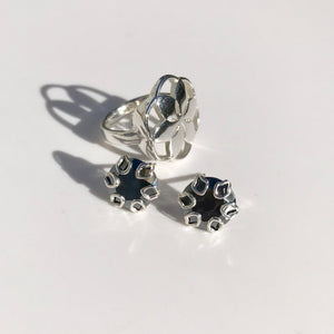 Rosette Ring with Poppy earrings in hematite Hannah Daye & Co