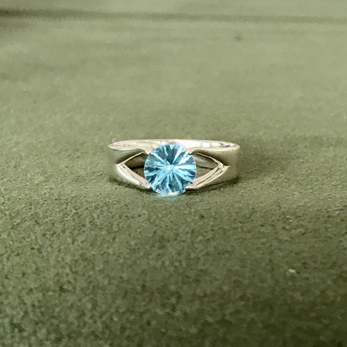 Brillante Ring Silver Swiss Blue Topaz Hannah Daye & Co