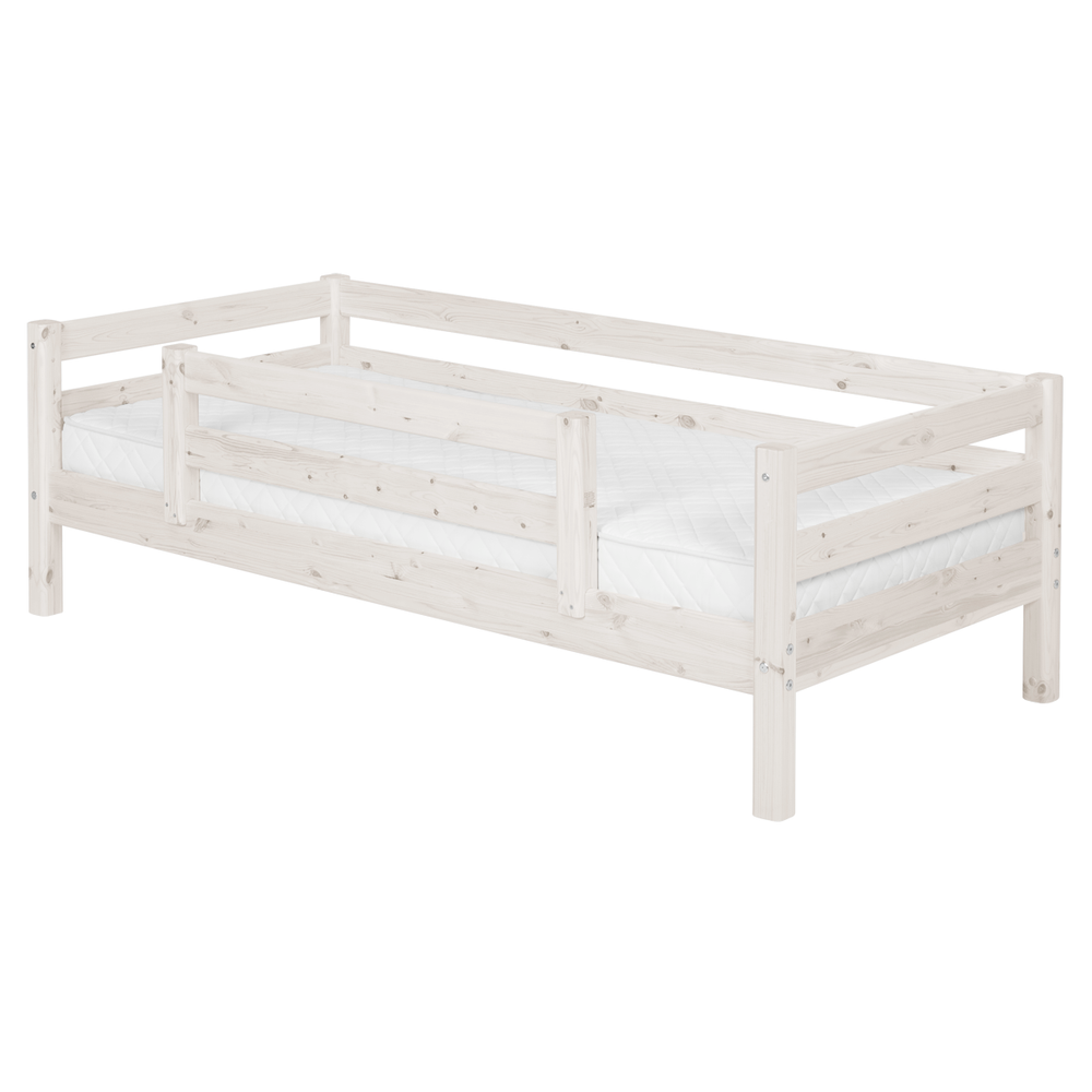 Classic - Day bed with centered safety rail - White Washed - Kids Furniture | Flexa USA