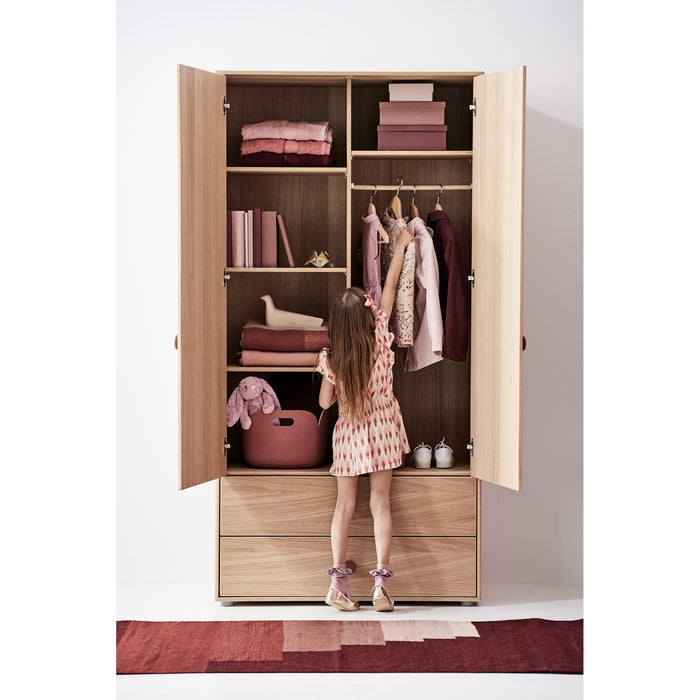 Popsicle - High wardrobe with 2 doors, 2 drawers, 4 shelves and 1 hanger - Oak/Cherry - Kids Furniture | Flexa USA