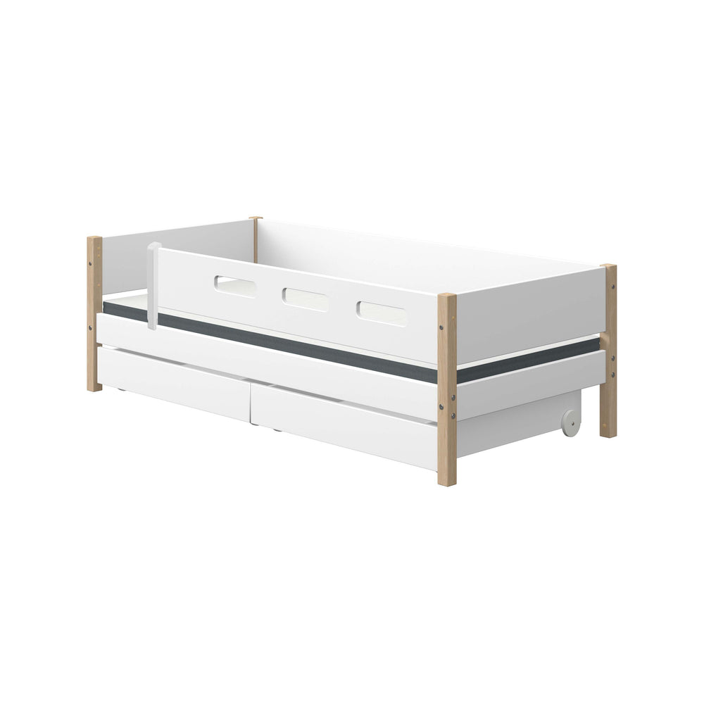 Nor - Daybed with 3/4 Safety Rail and Drawers - Oak/White