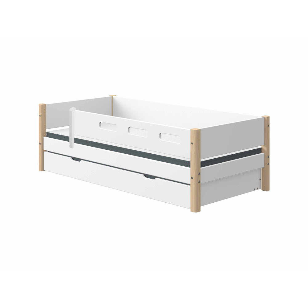 Nor - Daybed with 3/4 Safety Rail and Guest Bed - Oak/White