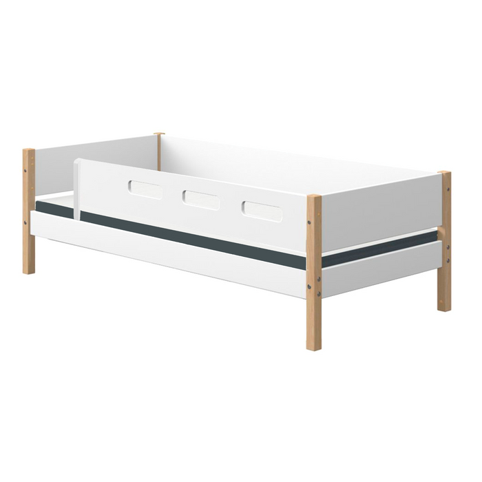 Nor - Daybed with safety rail - White