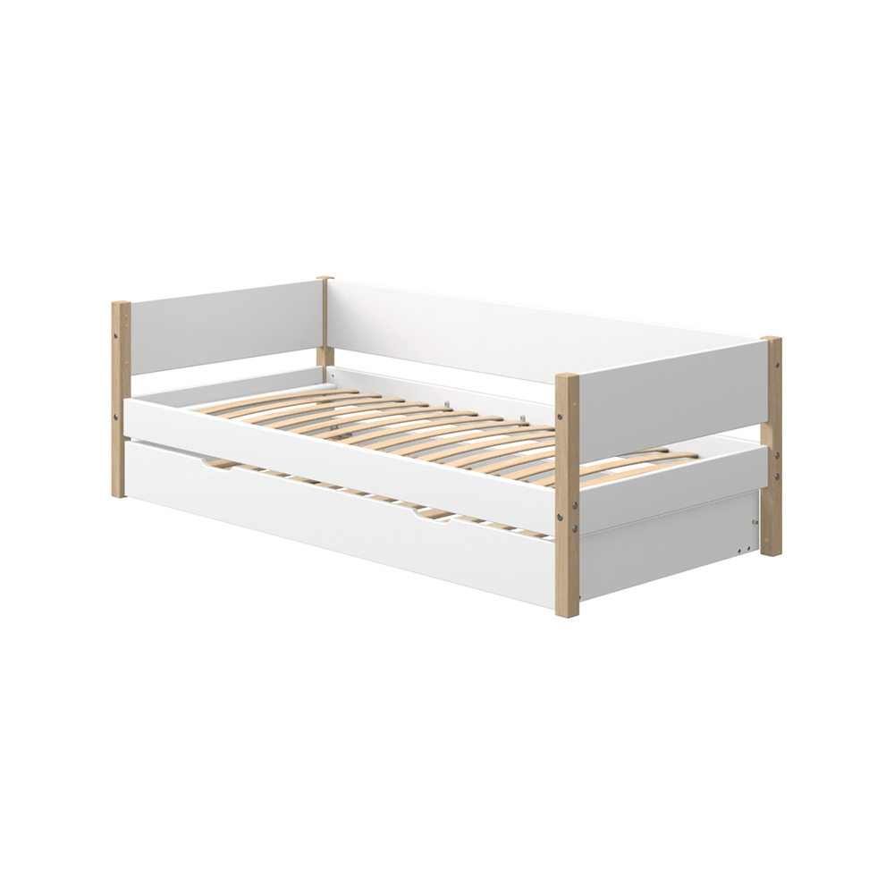 Nor - Daybed with Pull-out Guest Bed - Oak/White - Kids Furniture | Flexa USA