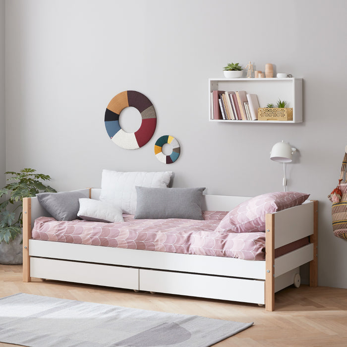 Nor - Daybed with 3/4 Safety Rail and Guest Bed - Oak/White - Kids Furniture | Flexa USA